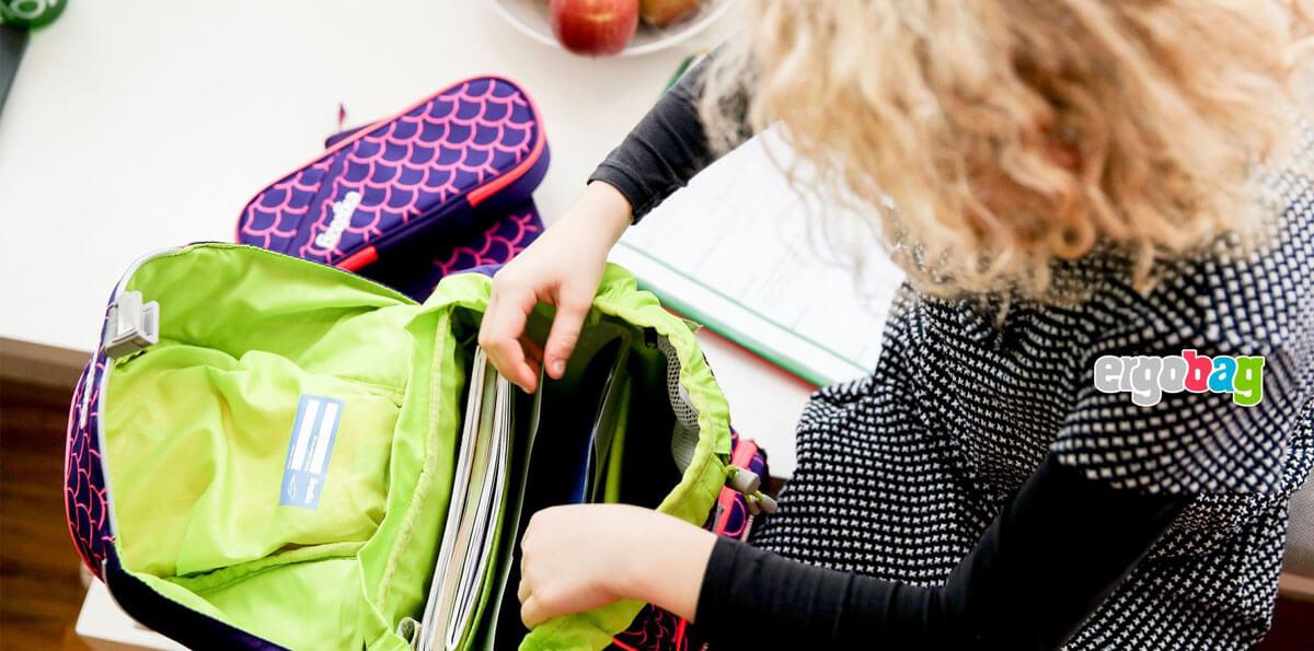 как да подредите ученическата раница правилно